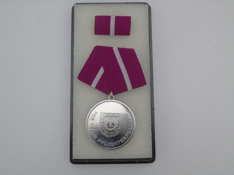 DDR Faithful Duty Medal