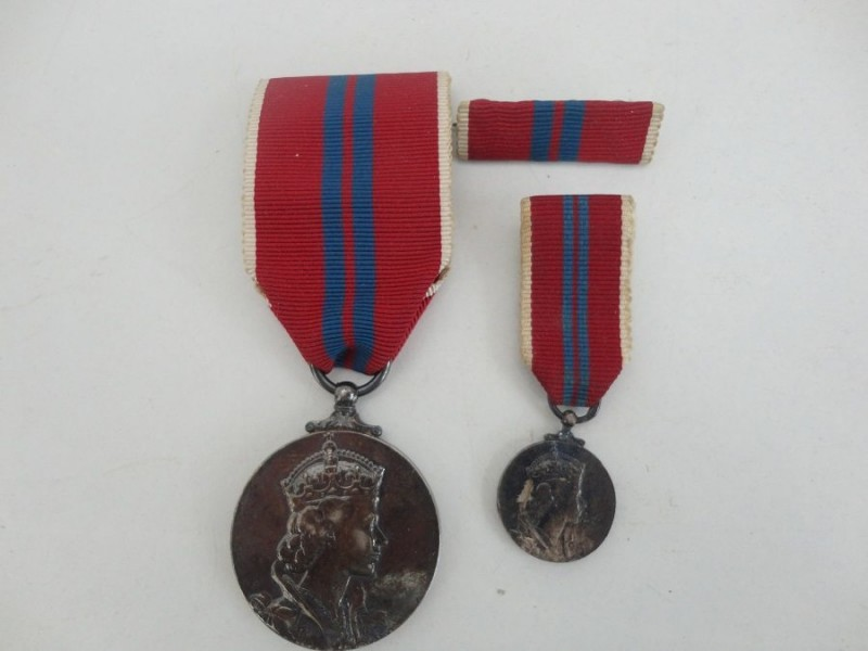 1953 Coronation Medal And Miniature